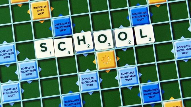 S wie School